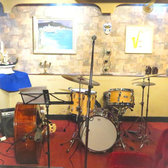 Plays Jazz Standerds - 06.jpg