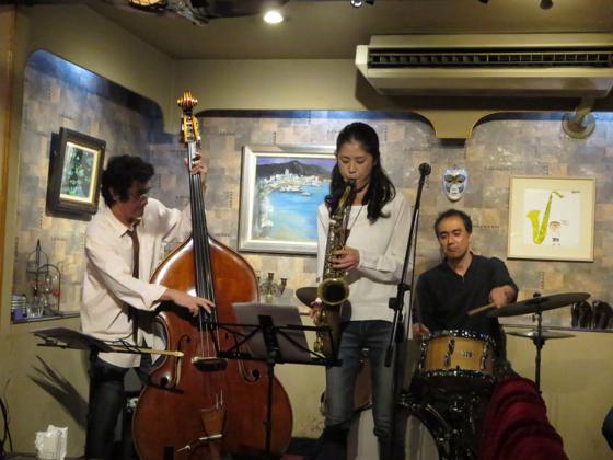 Plays Jazz Standerds - 21.jpg