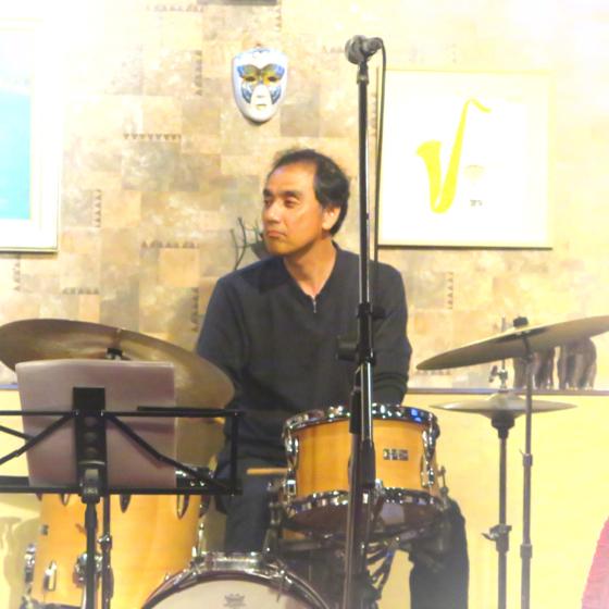 Plays Jazz Standerds - 28.jpg