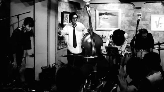 Plays Jazz Standerds - 32.jpg
